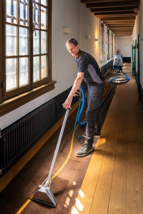 professionele tapijtreiniging