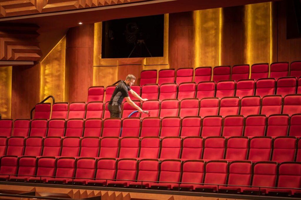 theaterstoelen reinigen